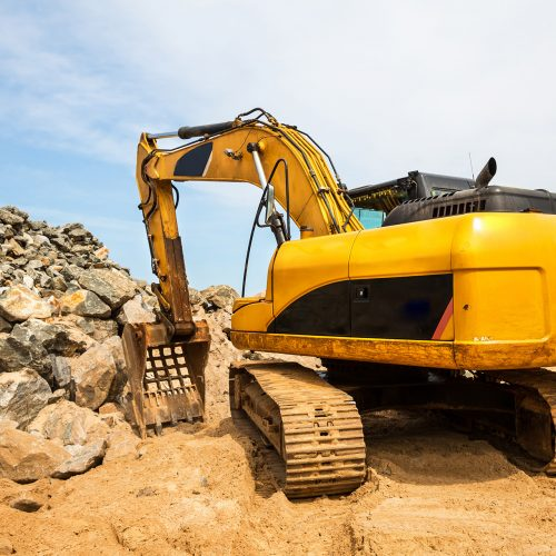 excavation-mashine-works-in-a-quarry-PQZJ3ME